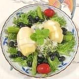 蒸し黒豆、キウイのサラダ