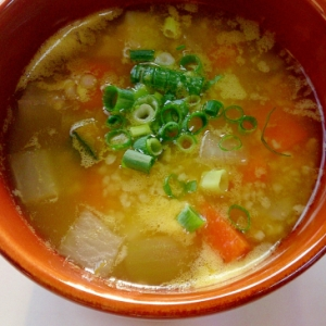 ひえと野菜のコンソメスープ