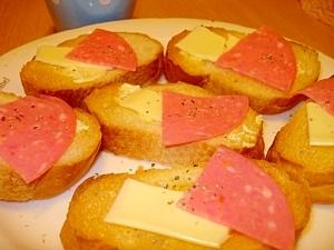 チーズとビアソーのカナッペ