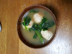 鶏団子とほうれん草のスープ