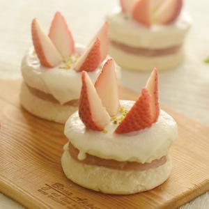 いつでも食べたい!苺のショートケーキ風あんぱん