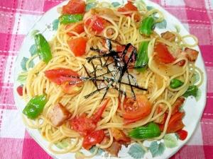トマトとシシトウのパスタ