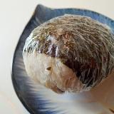 牛蒡天入り 塩昆布の海苔巻きおにぎり
