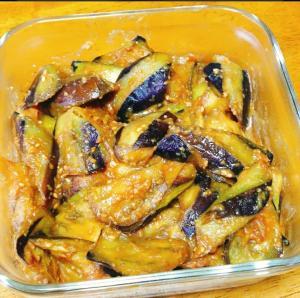 茄子の胡麻味噌炒め