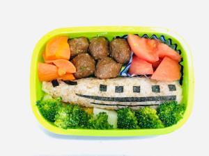 簡単に子供が喜ぶ 新幹線おにぎり弁当