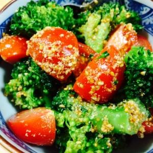 トマトとブロッコリーの中華風ごま和え
