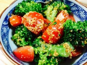 【ガサツ料理】トマトとブロッコリーの中華風胡麻和え