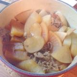 ルクルーゼで牛肉と大根の甘辛煮