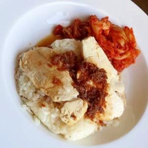 鶏のうまみたっぷり☆アジア風炊込みチキンライス