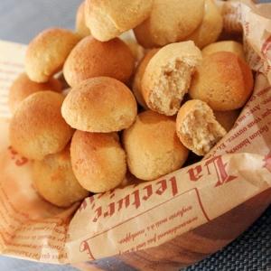 発酵要らず♪ココナッツ粉のミニミニこんがりプチパン