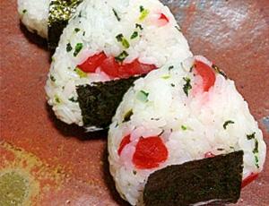 山梨県・甲州小梅と青菜のおにぎり♪